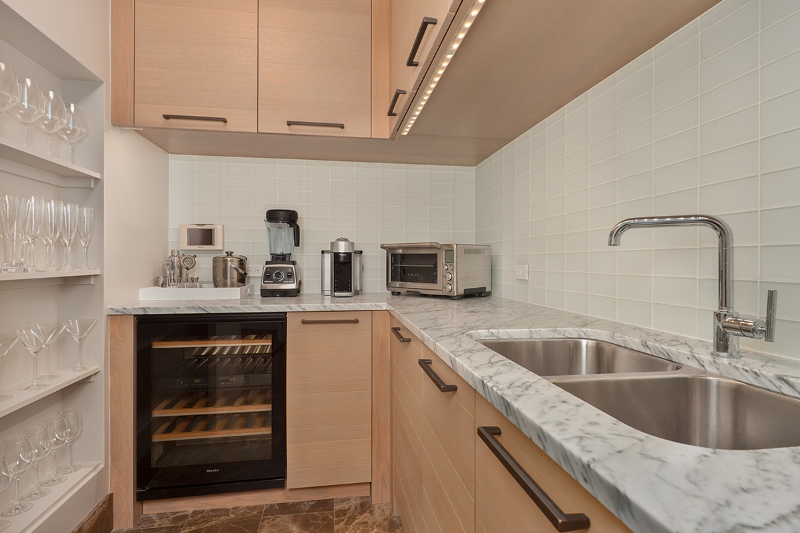 13-amorealoha813_kitchen-private-bar-800x533