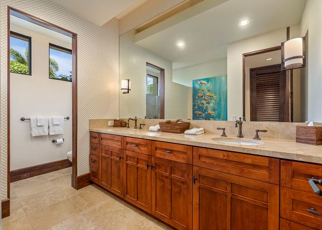29-hualalai-anea-estates-101_guest-house-bath