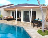 7-waterfront-hale_pool8-lanai-800x576