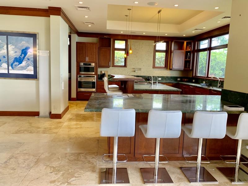 14-diamondheadoceanview_kitchen1