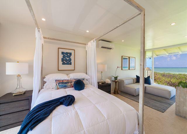 19-pueohala_master-bedroom