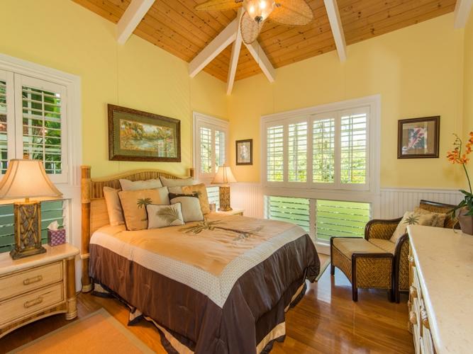 1030335_bedroom-three_800x600