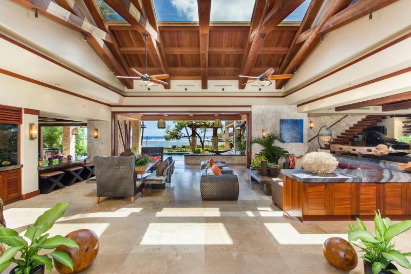 13-banyan-estate_living-room-800x533