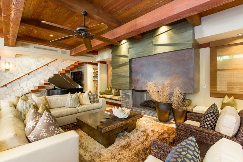 16-1-banyan-estate_living-room3-800x533