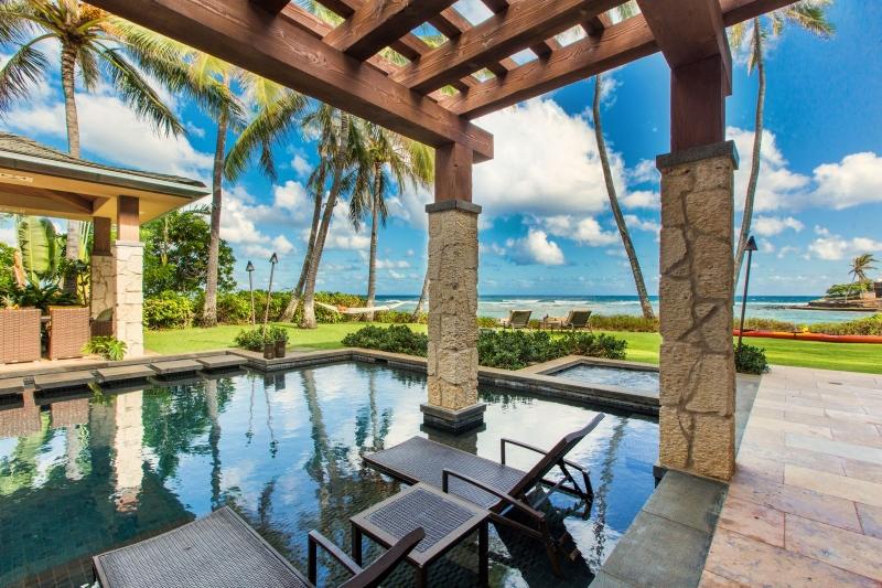 3-1-banyan-estate_pool2-800x533
