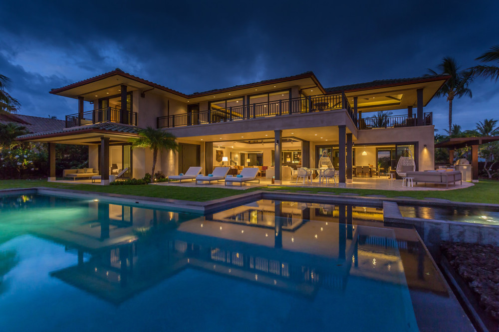 artevilla_back-exterior-night