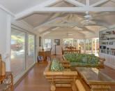 13-lanikai-oceanfront-bungalow_living