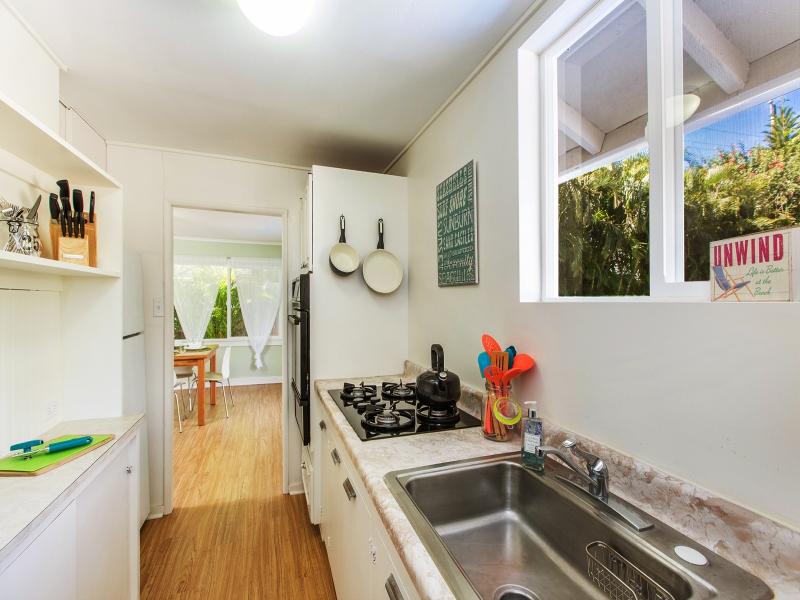 25-blanca-villa_guest-cottage-full-kitchen