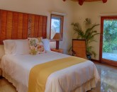 26-paul_mitchell_estate-31-bedroom-5-in-guest-house-800x533