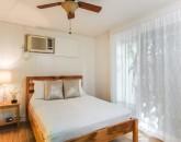 27-blanca-villa_guest-cottage-queen-bed
