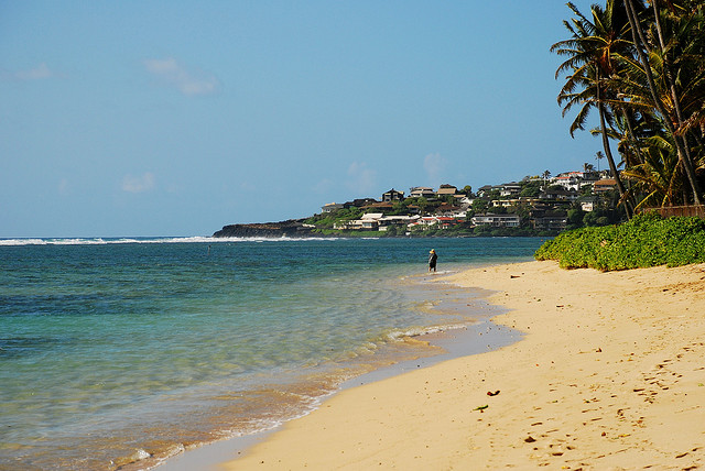 30-blanca-villa_kahala-beach-toward-diamond-head