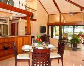 36-kbe5_cottage_diningroom_lg