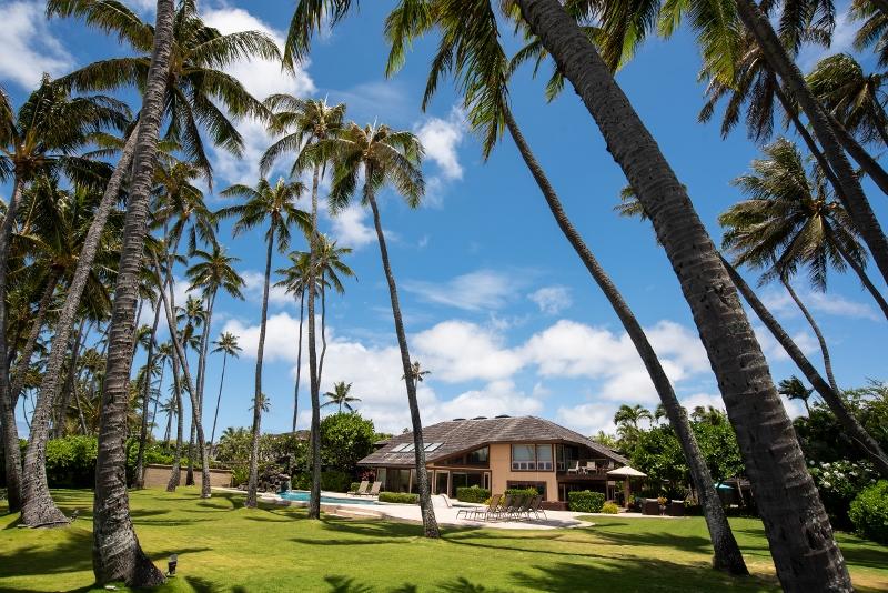 kahala-beach-estate_exterior-800x534