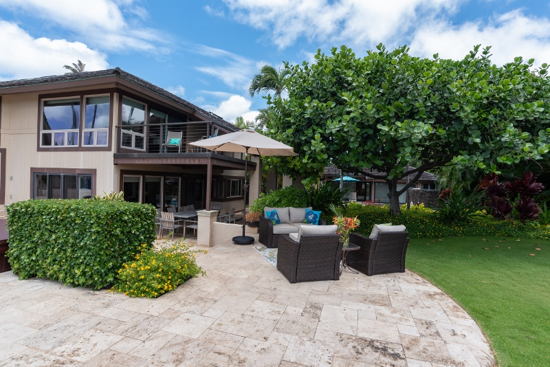 kahala-beach-estate_outdoor-lounge2-800x534