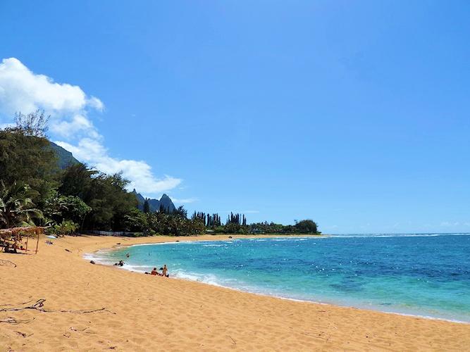 makana-akua_ma-on-naue-beach