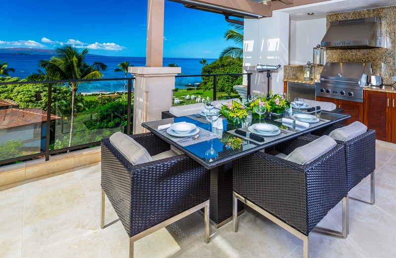 1 BellaLuna_oceanview lanai dining BBQ (800x522)