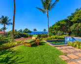 1-cocopalms_private-lawn-and-plunge