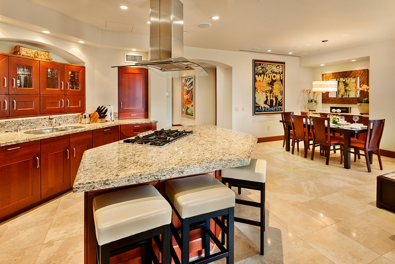 12-floralgardens_kitchen-dining-800x534