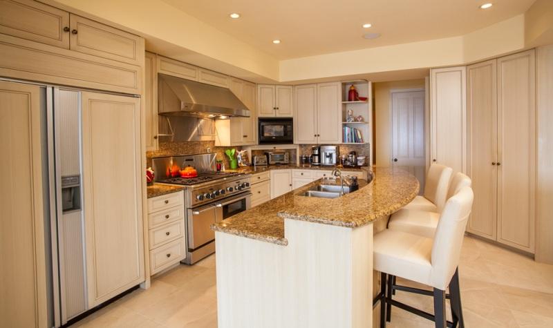 12-opalseas_poolside-kitchen-2_sm