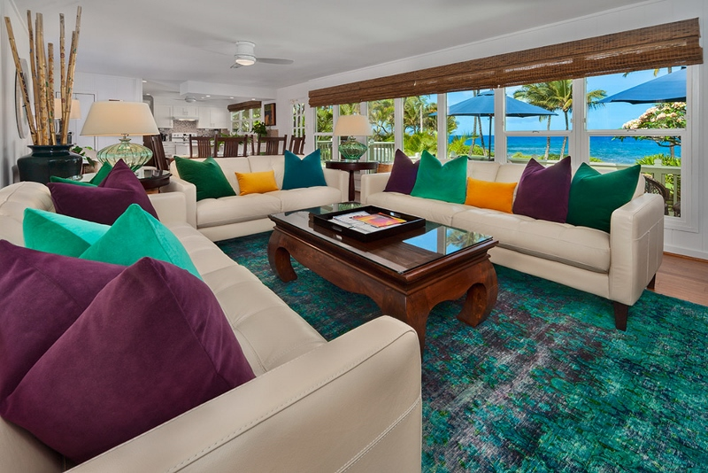 13-waileasunsetbungalow_living-room-800x534-2
