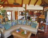 15-puako-beach_living-area