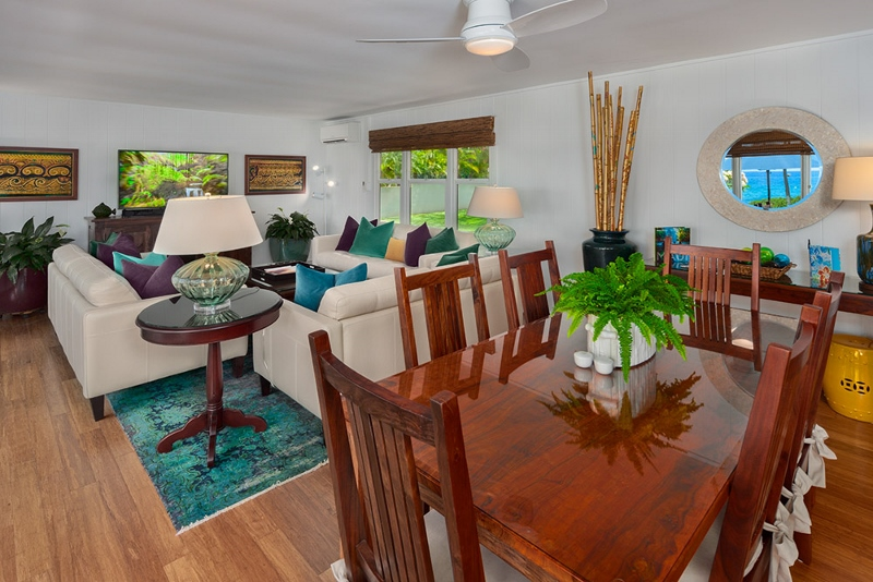15-waileasunsetbungalow_dining-to-living-800x534-2