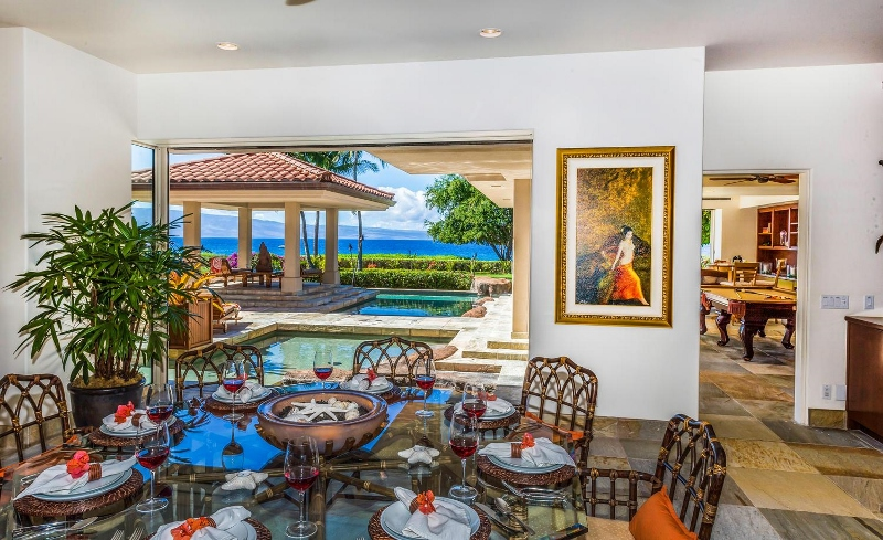 16-kai-ala-estate_indoor-dining2-800x489