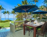 2-waileasunsetbungalow_patio-800x534