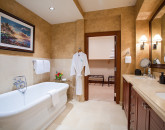 20-balihai_master-bath-tub-and-vanity
