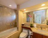 25-kai-ala-estate_bedroom2-bath-800x532