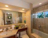 27-kai-ala-estate_bedroom3-bath-800x486