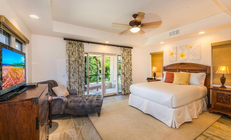 28-kai-ala-estate_bedroom4-800x486
