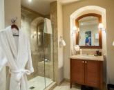 29-bellaluna_bedroom-3-bath-800x534