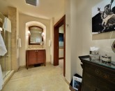 30-bellaluna_bedroom-3-bath2-800x533