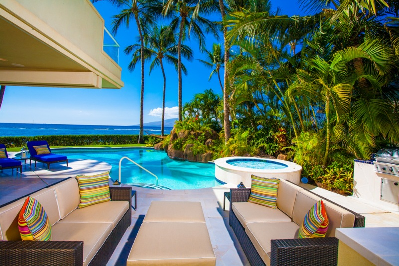 4-opalseas_covered-outdoor-poolside-sunset-view-dining-for-6-with-lounging-areas_sm