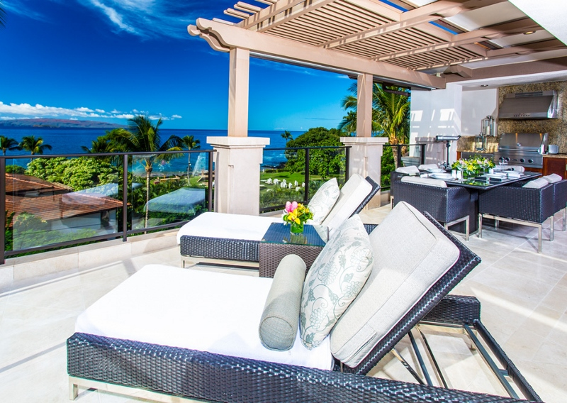 5-bellaluna_oceanview-lanai-lounges-800x568