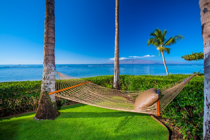 5-1-opalseas_private-beachside-hammock_sm