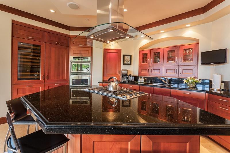 9-bellaluna_kitchen-800x534