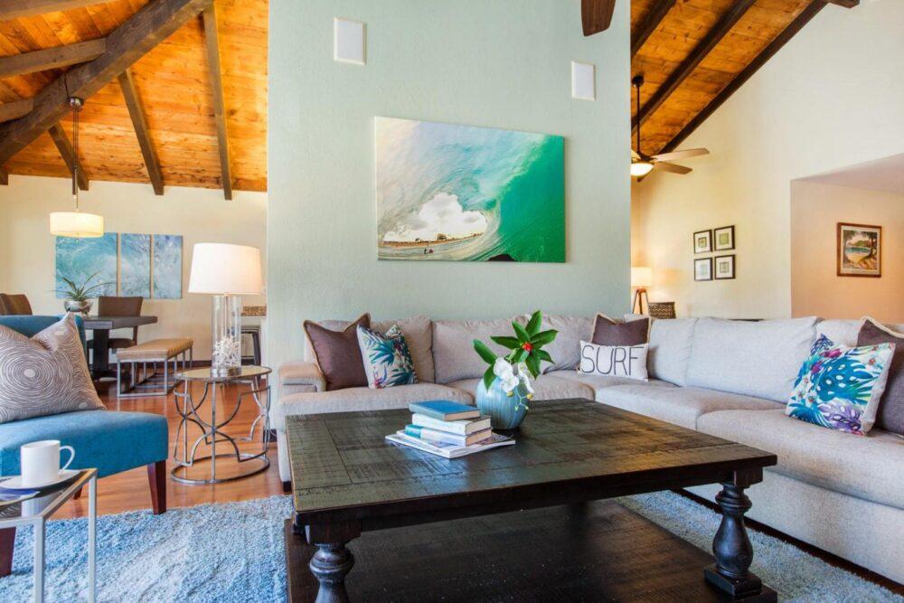 marina_livingroomtodining