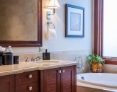17-castaway-cove-c201_second-master-bath-800x533