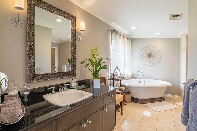 19-bay-villa_2014_master-bath-800x534