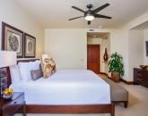 20-sun-splash-c301_bedroom-3-king2-800x533
