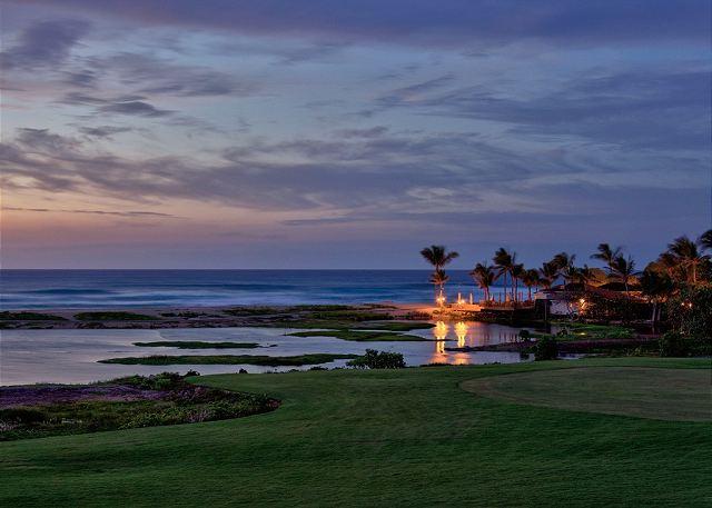 3-fairway-villa-116d_sunset