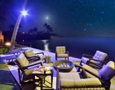 6-bay-villa_2014_fire-pit-night-800x534