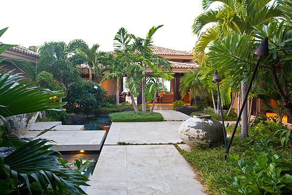 7-pauoa_courtyard