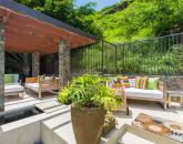 7-villa-luana_poolside-lounge3