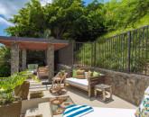 8-villa-luana_poolside-lounge5