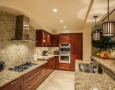 9-sun-splash-c301_kitchen-800x533