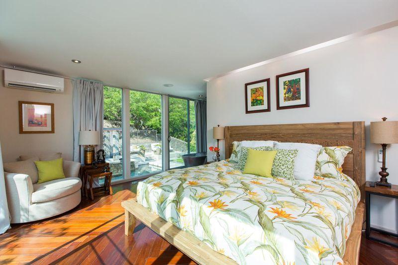 villa-luana_master-bedroom
