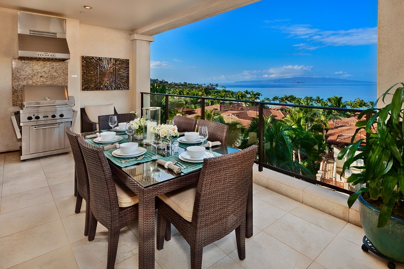 1 Sea Breeze_outdoor dining (800x534)